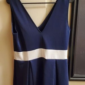 NAVY BLUE AND WHITE SHORT DRESS WORN A FEW TIMES VERY PRETTY